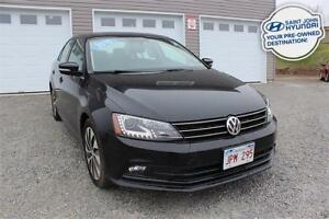 2015 Volkswagen Jetta TDI Highline! LEATHER! NAV! SUNROOF!