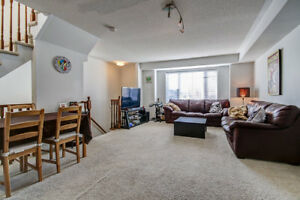 Spacious 2 Master Beds / 2.5 Baths Condo Town House for Lease