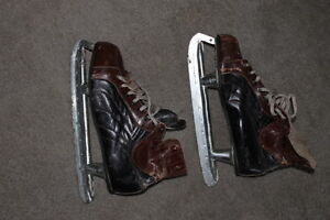 Vintage Men's Leather Skates - very old but usable !!!  Size 12