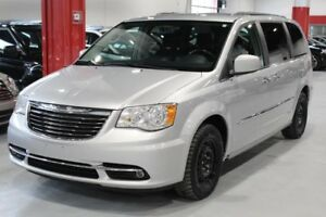 Chrysler Town & Country TOURING 4D Wagon FWD 2011