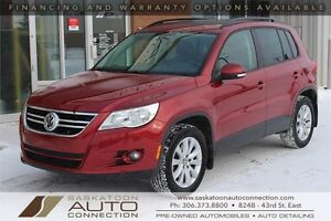 2011 Volkswagen Tiguan AWD ** LEATHER ** MOONROOF ** LOW KM **