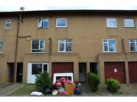 Redecorated 3 bed house in Fishermead, Milton Keynes - £1150