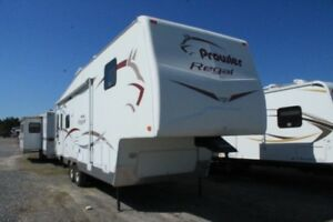 2006 Fleetwood Regal 305RL Fifth Wheel