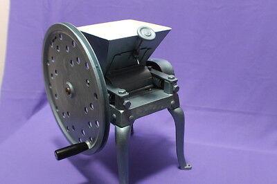 Kaffeemühle Mohn Schwungrad Apotheker Mühle Getreide um 1930,  17,7 kg #K6580