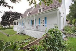 Jumelé ancestral à Beauport, 3 chambres, 2 SDB, rénovée