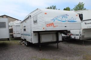 1999 Fleetwood Prowler 824-5C Fifth Wheel
