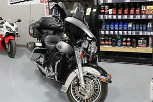 2010 harley davidson flhtcu REDUCED!