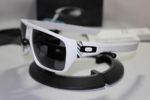 New Oakley Dispatch Matte White/Grey Sunglasses 009090-03