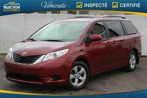 2012 Toyota Sienna LE 8 Passagers