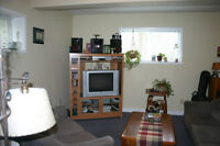 Gravenhurst 2 bdrm lower apartment in house - comes with yard