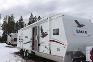 2005 JAYCO EAGLE 322FKS TRAVEL TRAILER WITH 2 SLIDE OUTS
