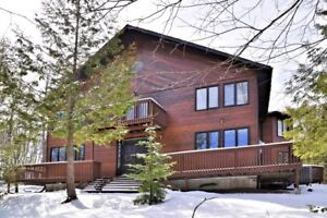 Chalet with Ski In Ski Out Access to Sir Sam's Ski Resort