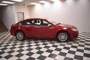 2013 Chrysler 200 Limited- LEATHER * UCONNECT * SUNROOF