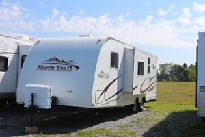 2008 NORTH TRAIL 28BA TRAVEL TRAILER WITH BUNKS LITE 4800 LBS
