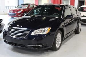 Chrysler 200 TOURING 4D Sedan 2012