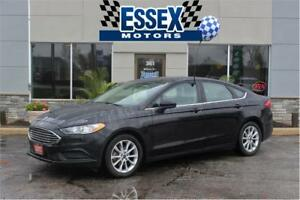 2017 Ford Fusion Se***Like New**Factory Warranty**Sunroof**
