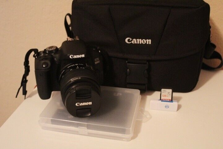 Canon EOS 800D Camera Bundle (18-55mm lens, case, 128 GB SD card, charging kit)