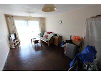 2 beautiful bedroom flat to let near Palmers Green STN + SCHOOLS + PLAYING FIELD + N13 + N22 + N11