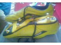 Sz11 mens umbro football boots
