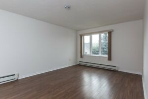 117 REDMOND - BIG 2 BEDROOMS NEAR UNIVERSITY
