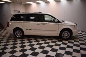 2013 Chrysler Town & Country Limited- LEATHER * NAV * UCONNECT