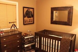 Immaculate Crib/Twin bed
