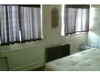 Two very big and double room available in Ilford