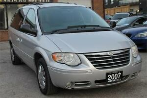 2007 Chrysler Town & Country Limited *NO ACCIDENTS/FULLY LOADED*