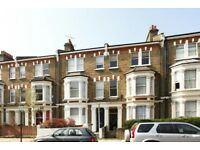 *DSS CONSIDERED* STYLISH & SPACIOUS FLAT LOCATED MOMENTS AWAY FROM QUEENS PARK TUBE STATION! (W9)