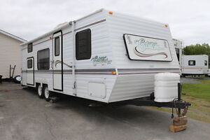 2004 Citation 27LC travel trailer with rear bunks