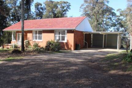 3 BEDROOM BRICK VANEER TILE ROOF HOME ON 3 ACRES Ourimbah Wyong Area Preview