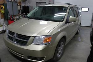 2010 Dodge Grand Caravan SXT Leather Zero Down $108 Bi-Weekly