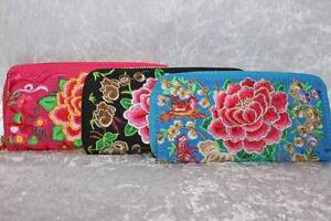 BRAND NEW - Embroided Zip Purse Sorrento Joondalup Area Preview