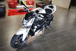 Super Rare !! Ducati Streetfighter 1098 2010 Low Millage !!!