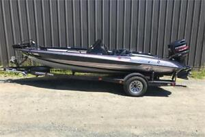 1994 Stratos 284 Bass Boat w/ Evinrude 150 HP