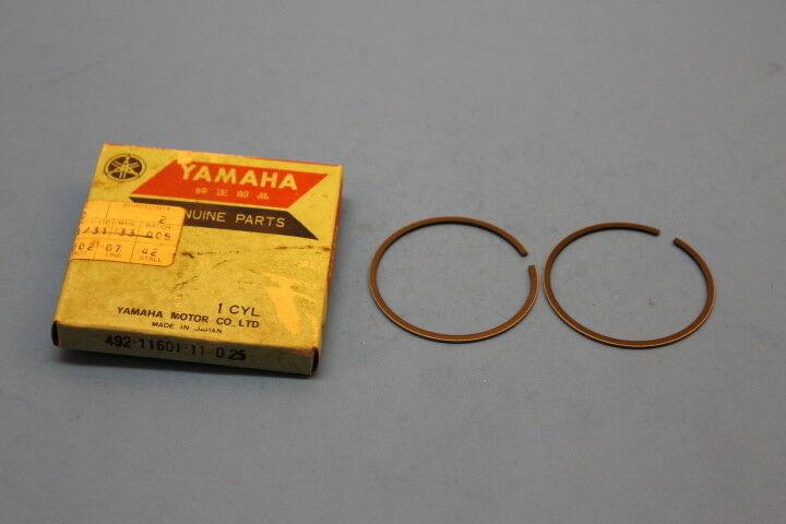 Yamaha Piston Ring Set 1os .25mm NOS 510-11601-13; 1976 IT400C 1976-78 YZ400