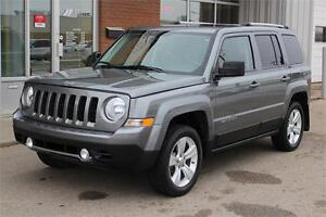 2012 Jeep Patriot Limited 4x4 ** ONLY 33,600 KM ** FULLY LOADED