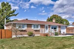 3 Bedroom House For Sale in Almonte
