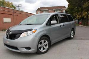 2014 Toyota Sienna,WELL MAINTAINED AT THE DEALER,NO ACCIDENTS