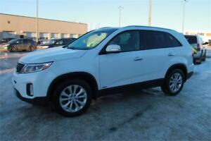 2015 Kia Sorento EX AWD w/ Roof **..... EVERYONE IS APPROVED....