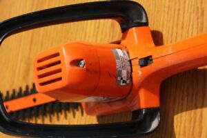 Black and Decker 16 inch Hedge Trimmer