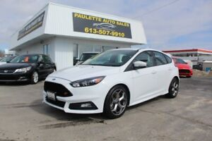 2018 Ford Focus -ST - LIKE NEW - ONLY 6500KM!!
