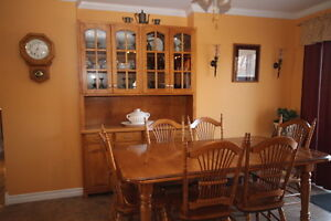 BEAUTIFUL SOLID BIRCH DINING ROOM SET WITH 6 CHAIRS