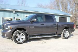 2016 Ram 1500 Sport 4X4 Crew Cab *NAV, SUNROOF, HEATED LEATHER*