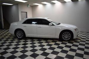 2013 Chrysler 300 Touring RWD- BLUETOOTH * LEATHER * BACKUP CAM