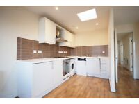 *NO AGENCY FEES TO TENANTS* Large, three bedroom flat with roof top terrace and undercroft parking