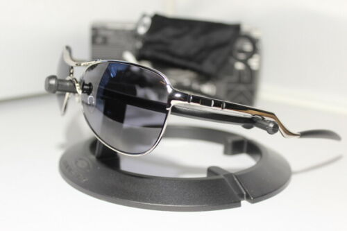 New Oakley Warden Square O Sunglasses Chrome w/Grey Lens 30-719 Aviator