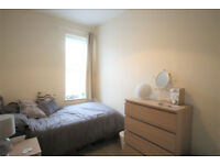 *NO AGENCY FEES TO TENANTS* Superb double bedroom in contemporary, shared professional house