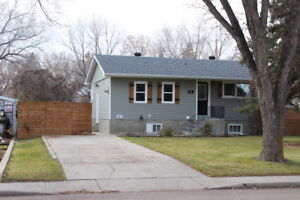 Immaculate 3 Bed, 2 Bath $1200 mth/ Shaunavon