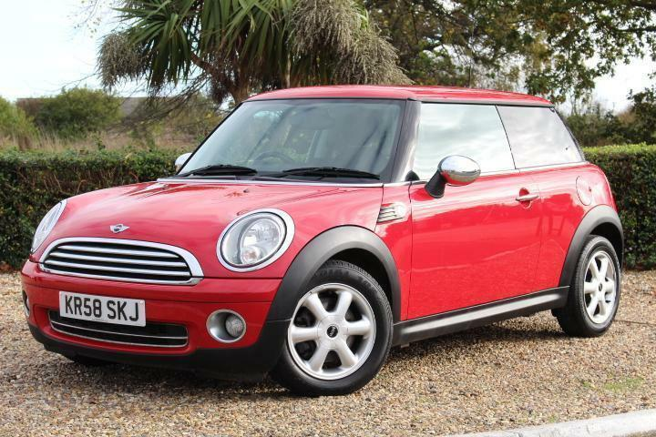 2008 mini one 1 4 red roof chrome caps ideal first car. Black Bedroom Furniture Sets. Home Design Ideas
